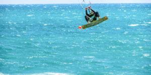 kite-riders-kiteboarders