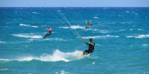 kite-riders-kiteboarders